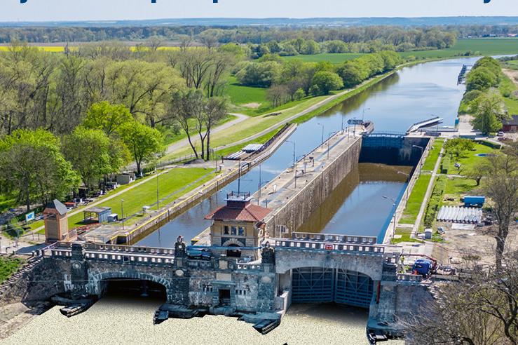 První vysoká loď proplula pod čtyřmi zdvižnými mosty