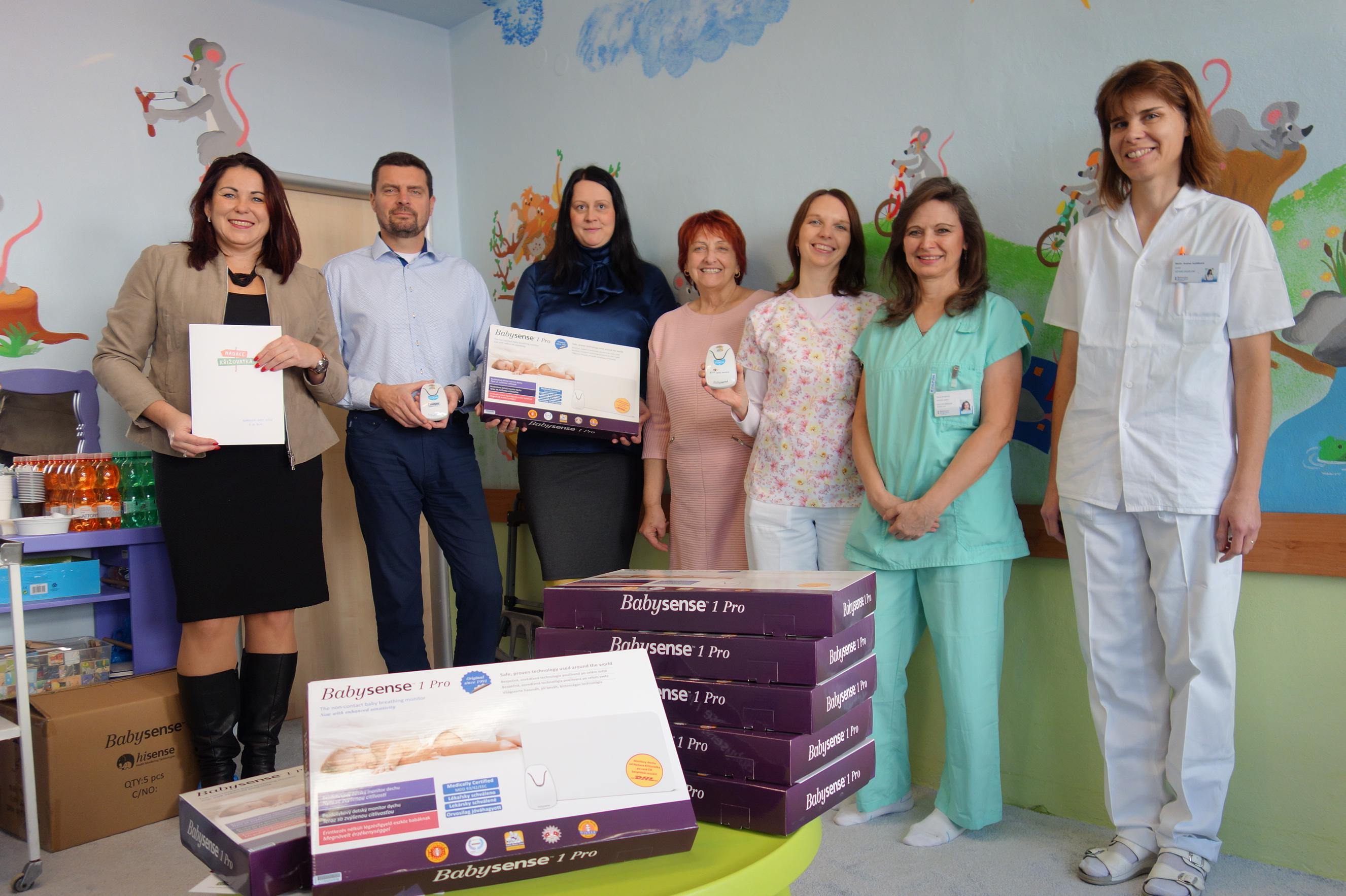 Nové přístroje zajistí bezpečný spánek novorozenců v Novém Jičíně